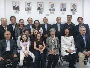 訪れた元会長の親族ら