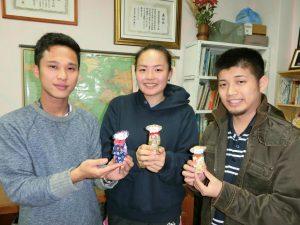 (左から)石山さん、佐野さん、清水さん