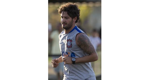 コリンチャンスの練習場で汗を流すパト(Daniel Augusto Jr./Ag. Corinthians)