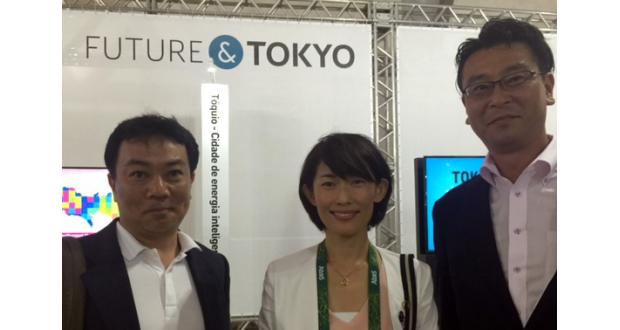 リオのジャパンハウスで7日、丸川大臣(中央)と面会した渡辺(左)、いながわ両氏