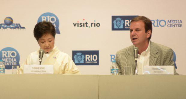 小池都知事との記者会見で(Divulgação/Prefeitura do Rio)