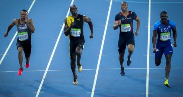 14日のリオ五輪100メートル走で、ボルト(左から2番目)とガトリン(右から1番目)(Ministério do Esporte)