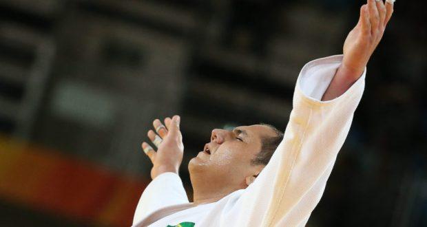 銅メダル獲得に喜ぶラファエル(Roberto Castro/Brasil2016)