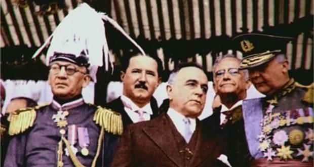 1939年の共和制宣言50周年式典でヴァルガス大統領(前列中央)の右肩後ろに控えるバーロス聖州執政官(By Desconhecido. Colorida por Djalma Gomes Netto. (DIP) [Public domain], via Wikimedia Commons)