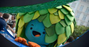 コパカバーナ海岸に登場したパラリンピックのマスコットは木の精のような「トム」(ちなみに五輪マスコットの方は猫のような「ヴィニシウス」)