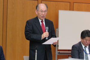 講演する海外日系人協会の田中克之理事長(昨年10月の海外日系人大会で撮影)