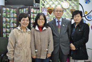 来社した諸川副理事長(左から3人目)ら
