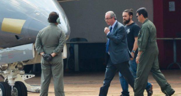 クリチバに移送される直前のクーニャ氏(Wilson Dias/Agência Brasil)
