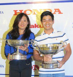 昨年の優勝者、坂口さん(左)と平井さん