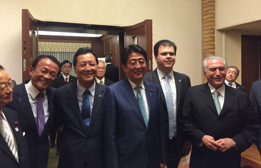 日伯首脳会談に臨んだ両政府関係者(西森下議提供)