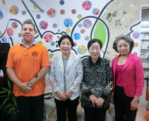 (左から)マルセーロさん、森下さん、池本さん、藤森さん