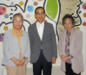 来社した中川文化理事、上野会長、玉井副会長