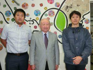 (左から)渡邉さん、本橋会長、田村さん