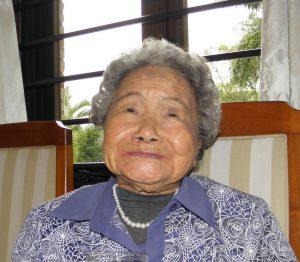 独自の薬レシピを教えてくれた浦田さん(100歳)