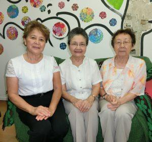 (左から)水本さん、森支部長、金井さん