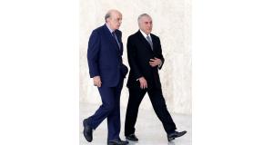 セーラ外相(当時・左)と、テメル大統領(右)(Wilson Dias/Agência Brasil)