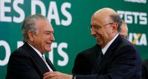 FGTS引き出しに関する詳細を説明するテメル大統領(左)とメイレレス財相(右)(Beto Barata/PR)