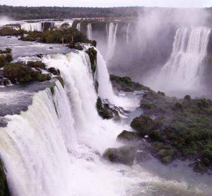 イグアスの滝のあるフォス・ド・イグアス市は、ギャングの温床と化している。(Itaipu Binacional)