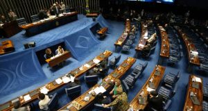 18日の上院議会の様子(Fabio Rodrigues Pozzebom/Agência Brasil)