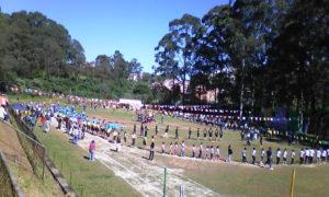 イビウーナの生徒も参加した盆踊りの様子