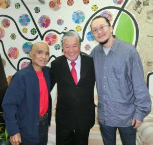(左から)玉城さん、神谷さん、鈴木さん