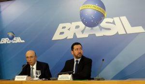 メイレレス財相(左)とオリヴェイラ企画相(右)(Valter Campanato/Agência Brasil)