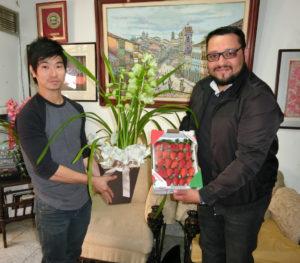 (左から)青山さん、クリスチアーノさん