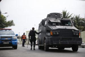 リオ市の東隣、ニテロイ市に展開する軍警の部隊(Tânia Rêgo/Agência Brasil)