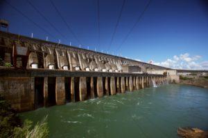ブラジル最大の水力発電所イタイプダム(Itaipu Binacional)