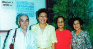 松井さん(左端)、小野寺さん(右端)