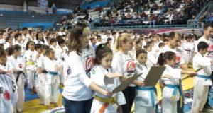 顕真道場60周年記念大会開会式での選手宣誓の様子