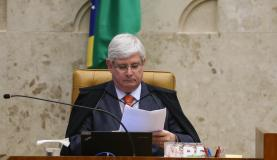 退任前にPMDB下議達の起訴もと考えるジャノー長官(José Cruz/Arquivo/Agência Brasil)