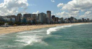 不動産業界関係者から「暴力事件の影響を受けないオアシス」とまで呼ばれる、リオ市南部のレブロン地区。汚職政治家や企業家もよくここで逮捕される。(Marcello Casal Jr./Agência Brasil)
