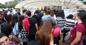 試験会場に入るEnemの受験者達(2日目、Marcelo Camargo/Agencia Brasil)