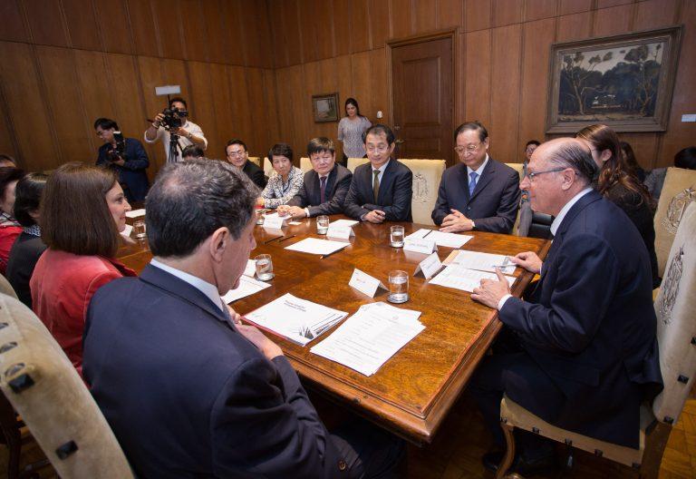 サンパウロ州政庁での協議の様子(Diogo Moreira/A2img)