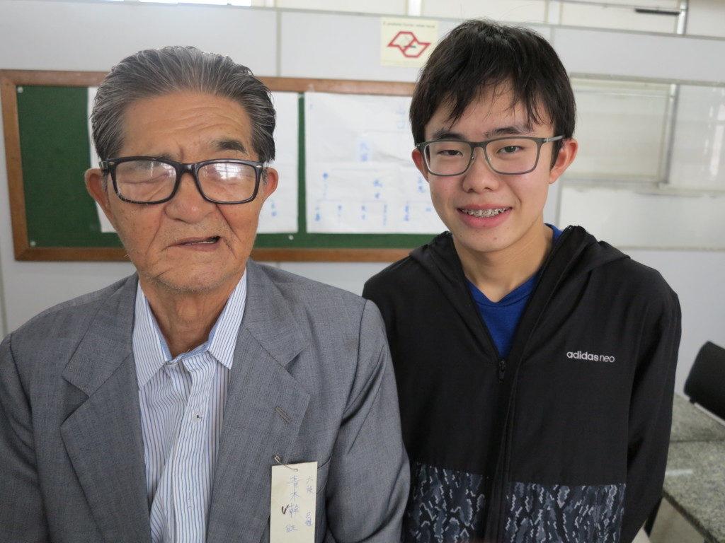 試合後の青木さんと加藤くん(左から)