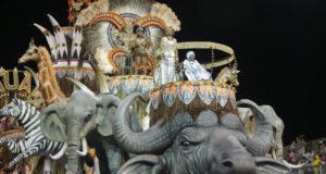 昨年優勝時のタトゥアペのパレード(Paulo Pinto/LIGASP/Fotos Públicas)