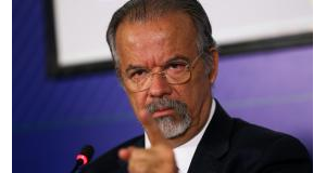 ラウル・ジュングマン国防相(Arquivo/Agência Brasil)