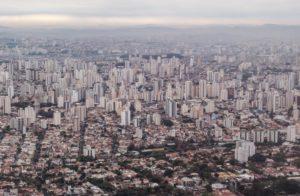 住宅や商用ビルの立ち並ぶ、サンパウロ市上空からの様子(参考画像・Rafael Neddermeyer/Fotos Públicas)