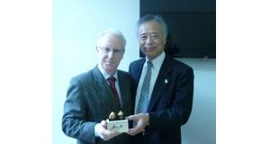 エウジェニオ・トリヴィーニョUPC国際事務局長と三浦副学長