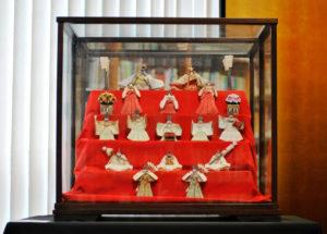 展示されている雛人形