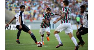 リオ州選手権セカンドステージ決勝を戦う、フルミネンセとボタフォゴ。(Lucas Merçon/Fluminense F.C.)