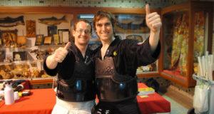 (左から)チリから修行に来たマックスヘッドさんとパラスさん