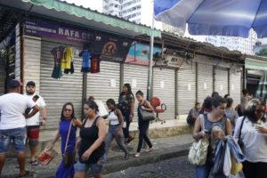 リオ市セントロの小規模商店集積地帯も、ミリシアの手が及んでいるとして閉鎖された(参考画像・Tomaz Silva/Agencia Brasil)