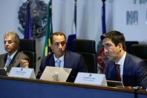 CD作戦発動時に記者会見に臨んだ検察官たち(Tomaz Silva/Agencia Brasil)
