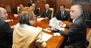 マルシオ・フランサ聖州知事と会談した日系団体代表者(Aldo Shiguti)