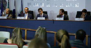 CD作戦についての記者会見に臨んだ検察官たち(Tomaz Silva/Agencia Brasil)