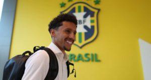 ブラジル代表合宿所一番乗りのマルキーニョス(Lucas Figueiredo/CBF)