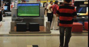 W杯開幕まであと1カ月を切ったが、TVの売り上げの伸びは前回大会直前期を下回っている(Arquivo /Marcelo Casal Jr./Agencia Brasil)