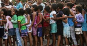 一時避難施設の子供たち(Marcelo Camargo/Agencia Brasil)